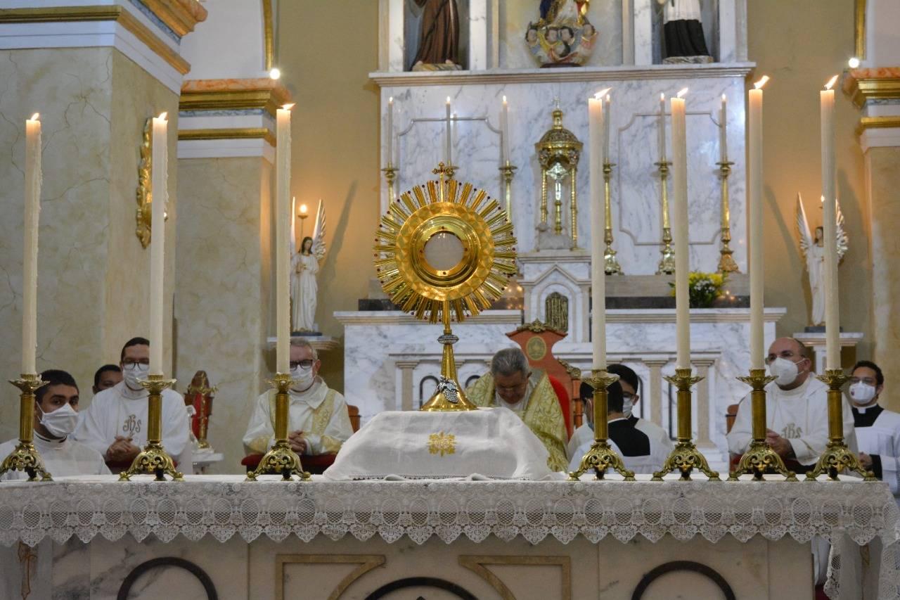 Bispo celebra Missa de Corpus Christi na Cate